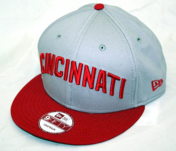 Picture of Cincinnati Reds Reverse Word Snap
