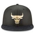 Picture of Men's Chicago Bulls New Era Black/Gold NBA On-Court 59FIFTY Fitted Hat