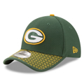 Picture of Green Bay Packers New Era 2017 Sideline Official 39THIRTY Flex Hat - Green